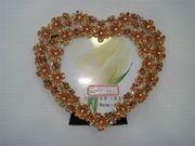 Продам  Рамку для фотографий металл эмаль 8, 5х12, 5 (сердце)