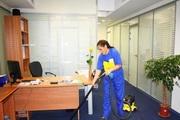В Ізраїль на роботу з прибирання приміщень жінки і чоловіки.